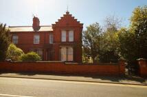 Flat in Fairy Road, Wrexham