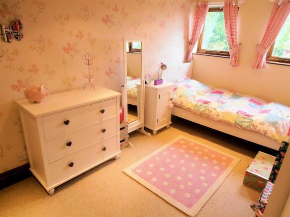 bed-girls.jpg
