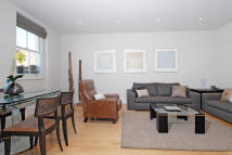 2 bedroom Flat in Cornwall Gardens...