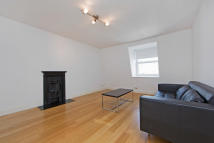 Flat in Coleherne Road...