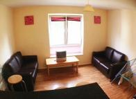 4 bedroom Ground Flat to rent in Gwennyth Street...