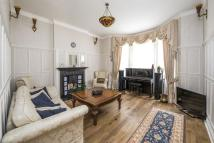 Flat for sale in Ashley Gardens...