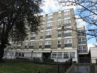 3 bed Flat in Kingswear House...