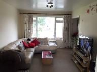 Flat to rent in Beech Grove, Addlestone...