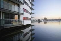 1 bed Apartment in The Helm Basin Approach...
