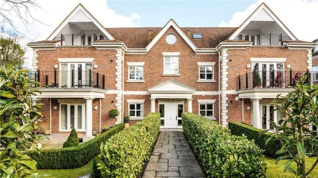 2 Bedroom Apartment For Sale In Dorchester Mansions Cross Road Sunningdale Sl5