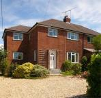 3 bedroom semi detached property to rent in Four Marks