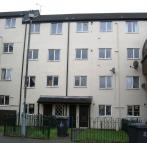 3 bed Ground Maisonette in Castle Hall View...