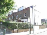 1 bedroom Ground Flat to rent in Brondesbury Road NW6 6BS