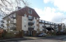 2 bedroom Flat in Harlands Road...