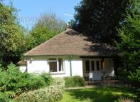 Detached Bungalow to rent in Bye Lane, Copthorne