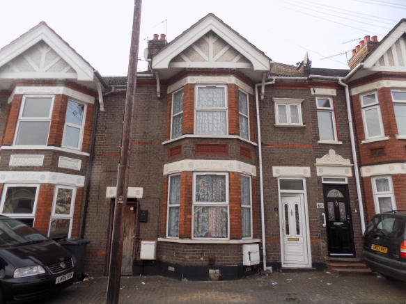 3 Bedroom Terraced House For Sale In Selbourne Road Luton