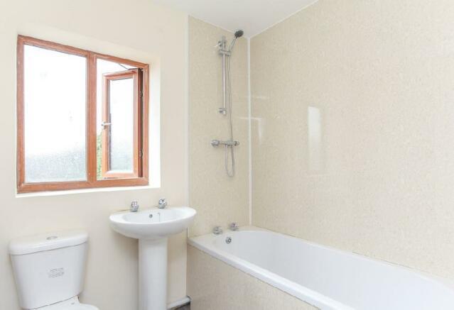 Plot 1 Bathroom.jpg