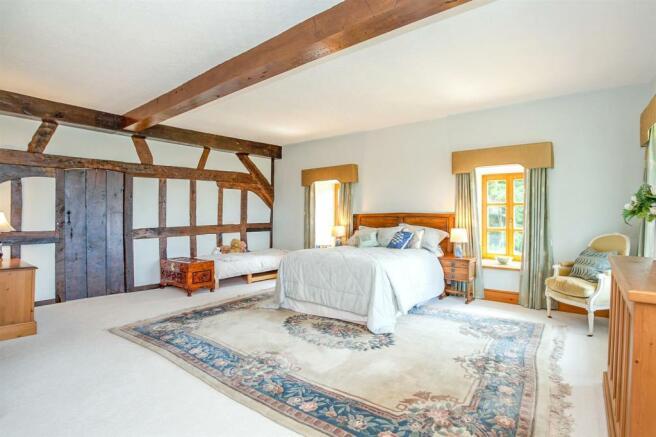 Bedroom 2 Reverse Angle Door Closed.jpg
