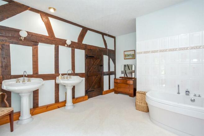 Bedroom 2 En-Suite 2.jpg