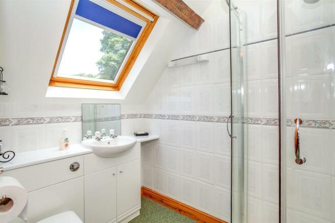 Bedroom 3 En-Suite.jpg