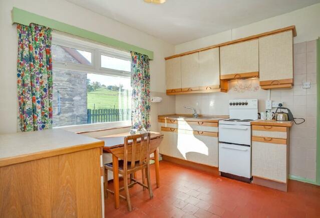 Kitchen 3 (2).jpg