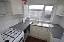 2 bed Maisonette to rent in Fullwell Avenue, Ilford...