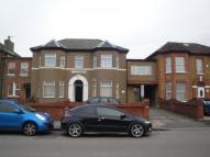 Flat to rent in Broomhill Road,  Ilford...