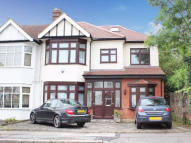 6 bed Terraced home to rent in The Drive,  Ilford, IG1