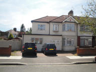 5 bedroom End of Terrace home in Lyndhurst Gardens...
