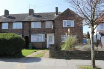 3 bed End of Terrace property in Overbury Crescent...