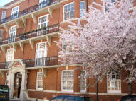 4 bedroom Flat in Bishop Kings Road...