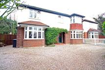 4 bed Detached property in Chalkwell Park Avenue...
