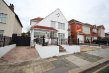 4 bed Detached house in Oak Avenue, Enfield, EN2
