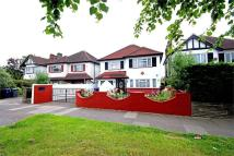 4 bedroom Detached property for sale in Chase Side, Southgate...