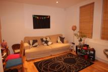 3 bedroom Flat to rent in Stunning Three Bedroom ...