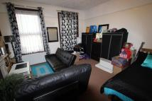 Flat to rent in Spacious Studio Flat...