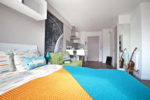 1 bed Studio flat to rent in College Green, Clifton...