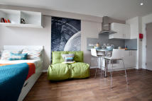 Studio apartment to rent in College Green, Clifton...