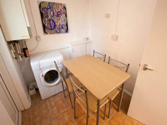 Utility Room and Din