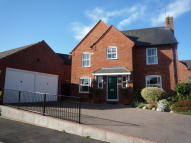Detached property in Hawthorn Way...