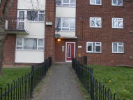 Ground Flat to rent in Church Road, Wallasey...