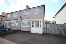 3 bed semi detached property in Hornchurch, RM12