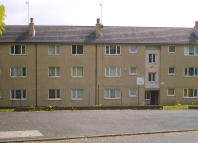 Ground Flat to rent in Priory House...