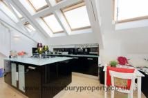 3 bed Penthouse for sale in Chartwell Court...