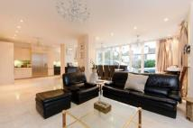 7 bed Detached house in Sidmouth Road, Willesden...