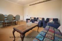 4 bed Flat in Chatsworth Road...