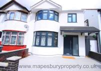 4 bed semi detached property to rent in Burnley Road...