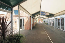 property to rent in Moss End Garden Centre