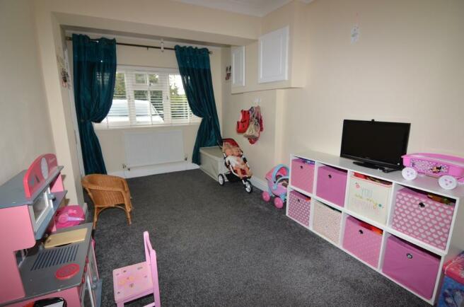 Bedroom 4 (garage...
