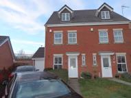 3 bedroom semi detached house to rent in Cavalier Drive , ...