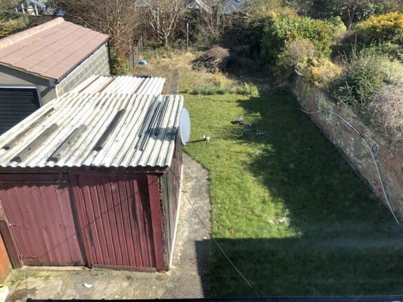 Garage/ Garden