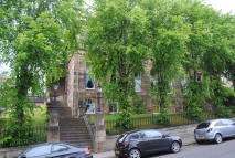 Flat to rent in 61 Cleveden Drive...