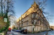 2 bed Flat to rent in 2/2, 2 Turnberry Road...