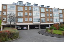 3 bedroom Flat in 128E Southbrae Drive...